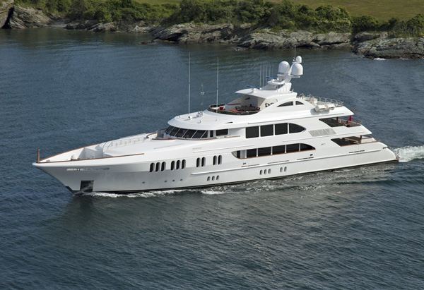 Aspen Alternative Crewed Power Yacht Charter