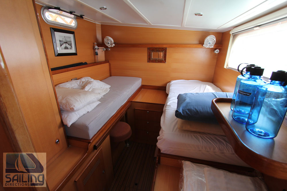Blue Moon Catana 9