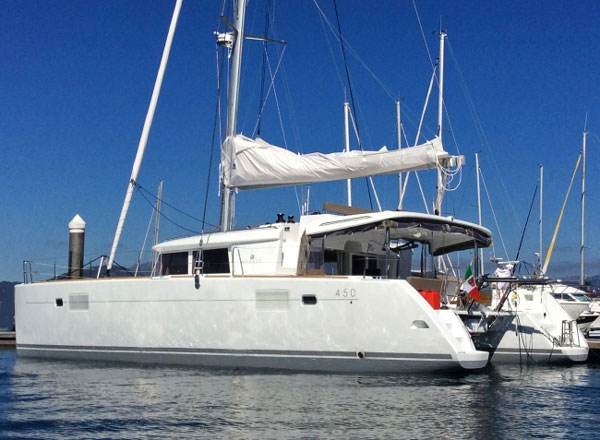Delicia Crewed Catamaran Charter