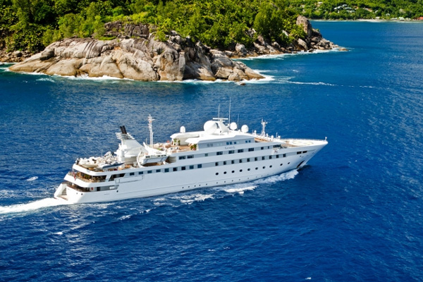 Lauren L Crewed Power Yacht Charter