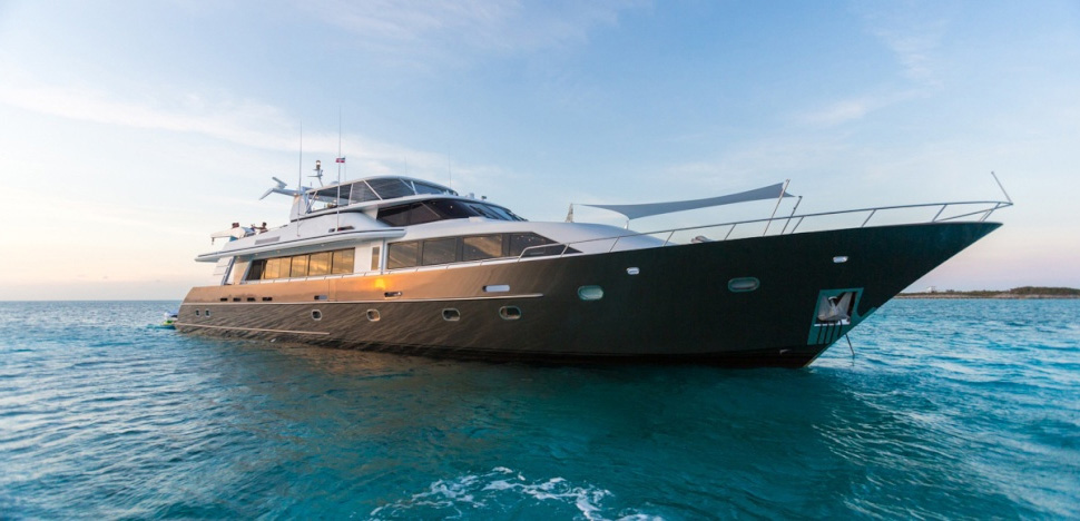 Unbridled Crewed Power Yacht Charter