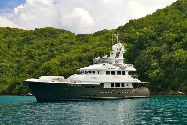 Vivierae Crewed Power Yacht Charter